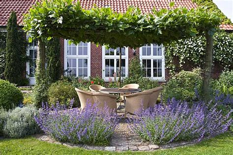 Sitzplätze Im Garten 11