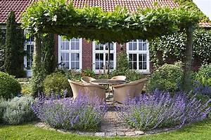 Sitzplatz Gestalten Garten : sitzpl tze im garten 11 ~ Markanthonyermac.com Haus und Dekorationen