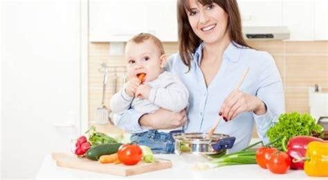 Alimentazione Per Allattamento by Mamma Allattamento E