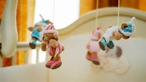 Babybett Mit Schaukelfunktion : wiegen babywiegen oder kinderwiegen aus holz werden nach kindgerechten vorgaben gebaut ~ Whattoseeinmadrid.com Haus und Dekorationen
