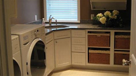 Laundry room corner sink, counter, cupboards   For the