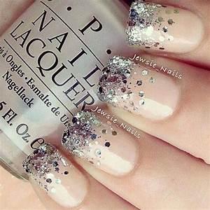 16 Glamorous Glitter Nail Art Designs