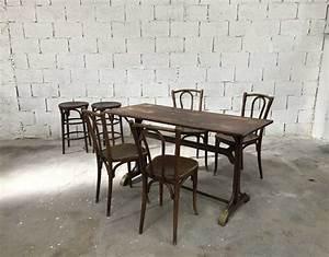 Table Et Chaise Bistrot : ensemble table chaises et tabourets bistrot baumann 1930 ~ Teatrodelosmanantiales.com Idées de Décoration