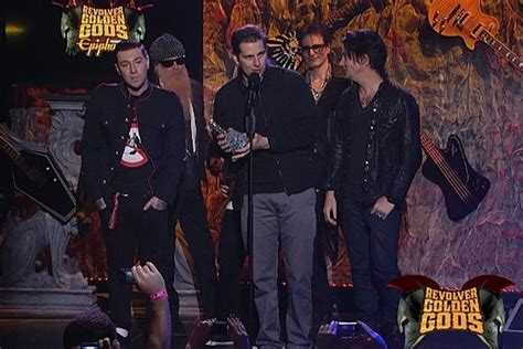 avenged sevenfold win best live band and most dedicated fans at 2012 revolver golden gods