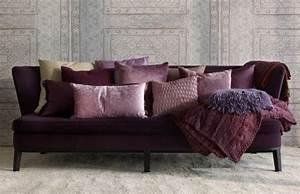 80 idees d39interieur pour associer la couleur prune With tapis de souris personnalisé avec canapé design coloré