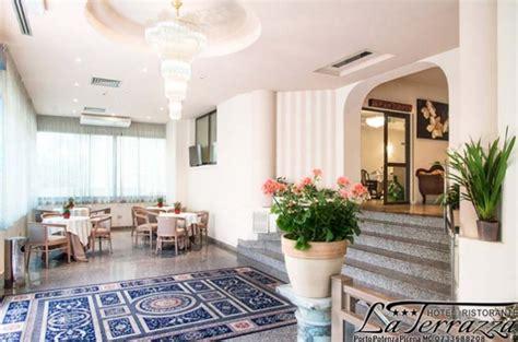 hotel la terrazza porto potenza picena hotel ristorante la terrazza potenza picena conero it