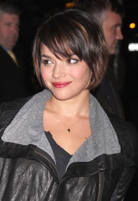 Cute Short Grduated Bob Haircut with Bangs | Styles Weekly