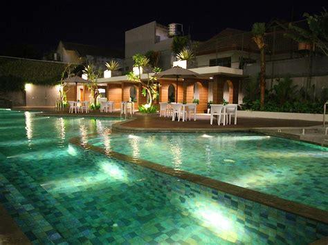 hotel yogyakarta hotel  dekat  tugu