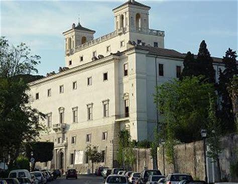 villa medicis rome chambres legendary rome a gun at villa medici