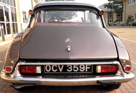 citroen classic ds trade classics 187 the citroen ds a top ten classic car