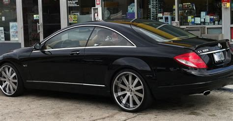 Exotic Cars on the Streets of Miami: Black Mercedes Benz ...