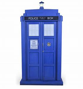 11th Doctor Who TARDIS 1:6 Scale Model: Smaller on the Outside