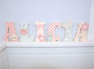 chambre fille strass 024350 gtgt emihemcom la meilleure With chambre bébé design avec sucre de fleurs de coco