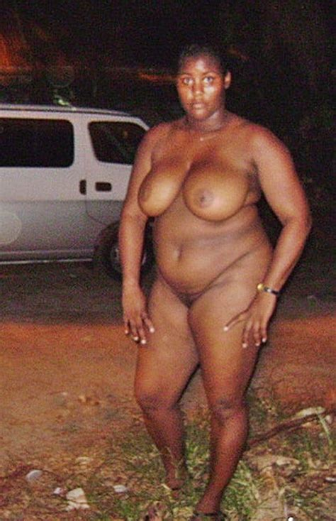 Thick Kenyan Bww Nude In Public Shesfreaky