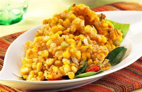 Renyah dan lezat, bakwan jagung bisa disajikan dengan saus sambal manis atau sebagai makanan pendamping untuk hidangan utama. Resep Membuat Dadar Jagung Yang Enak Dan Bikin Ketagihan