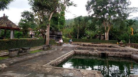 Kota ini terkenal dengan ragam wisata yang sering dikunjungi, seperti candi borobudur, gereja ayam hingga taman kyai langgeng. Tiket Masuk Candi Umbul Magelang - 65 Daftar Tempat Wisata Hits Di Magelang Jawa Tengah ...
