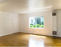 Empty Apartment Room by Portland Apartment Rentals Oregon 2021 2065 NW 29th Ave