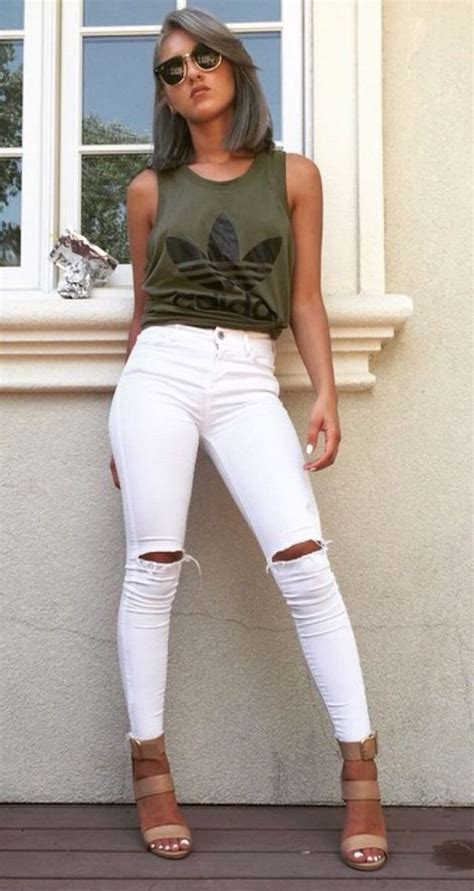Outfit With Green Shirt