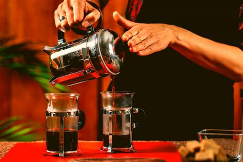 To brew your french press at full capacity find the french press in the image above the is most similar to yours. How to Make French Press Coffee: Ratio and Grind - Best ...