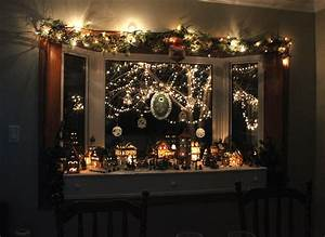 50, Windows, Christmas, Decorations, Ideas, To, Displays