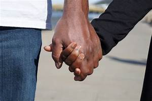 Study Discovers 7 Surprising Benefits Of Holding Hands