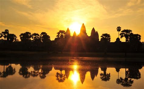 Sunrise At Angkor Wat Temple Private Tour
