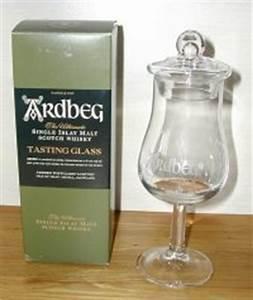 Verre à Whisky Tulipe : votre whisky pr f r l 39 abus d 39 alcool etc page 44 cuisine discussions forum ~ Teatrodelosmanantiales.com Idées de Décoration