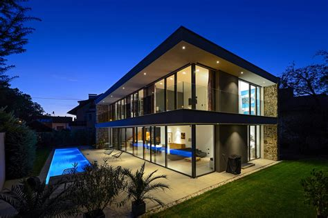 tina designs a sleek and stylish contemporary home