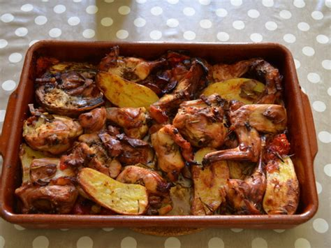 cuisiner rable de lapin lapin rôti au four qui cuit tout seul recette de lapin