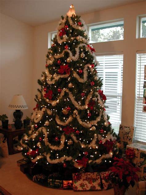 Weihnachtsbaum Modern Geschmückt by K 252 Nstlicher Tannenbaum Aus Spritzguss Richtig Geschm 252 Ckt