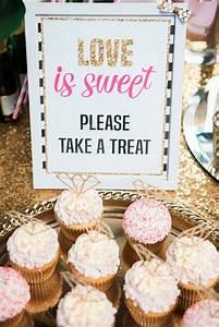 10 easy bridal shower themes mywedding for Wedding showers themes