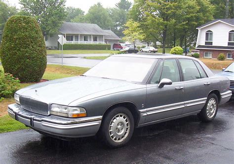1991 Buick Park Avenue by File Buick Park Avenue Ultra 1991 Jpg Wikimedia Commons