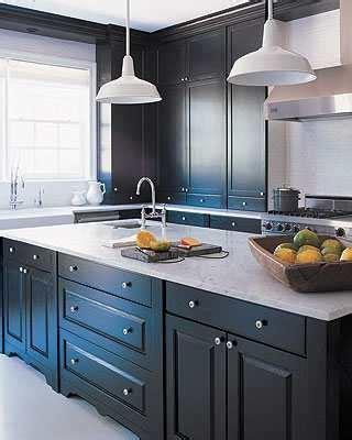 peindre meuble cuisine laqué repeindre une cuisine en bois