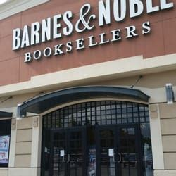 Barnes Noble Milwaukee by Barnes Noble Bookstore 20 Reviews Bookstores 4935