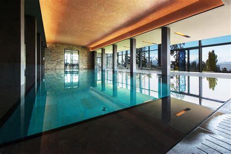 hotel avec dans la chambre a accueil 1 luxury sport resort crans ambassador