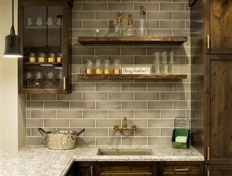 Bar Backsplash by Classic Coastal Cottage Style Home Home Bunch Interior