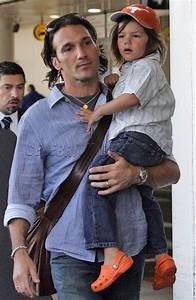 Jill Hennessy and family at Los Angeles Airport – Moms ...