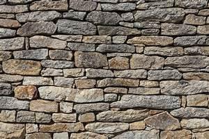 Mauer Bauen Fundament : natursteinmauer bauen detaillierte anleitung in 5 schritten ~ Orissabook.com Haus und Dekorationen