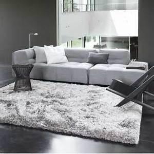 tapis design gris large choix de textures et de matieres With tapis shaggy avec canape design gris