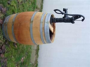 Weinfass Als Regentonne : regenfass vom weinfass holzfass mit pumpe ~ Frokenaadalensverden.com Haus und Dekorationen