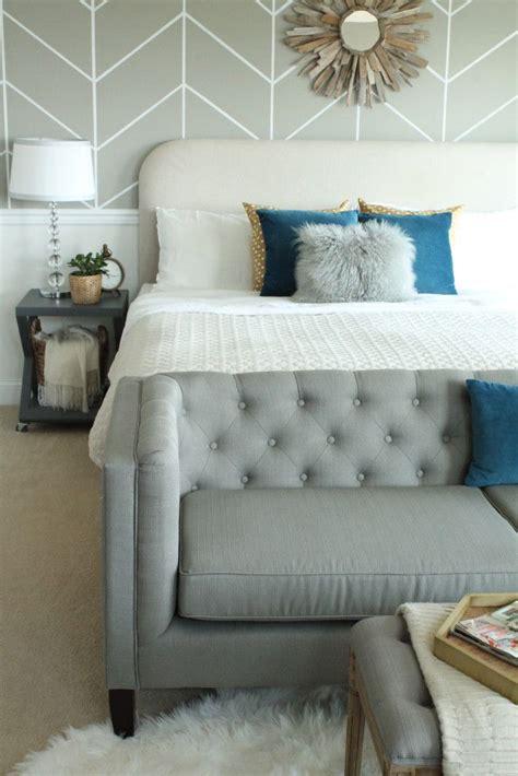 Bedroom Loveseats by 17 Best Ideas About Bedroom Sofa On