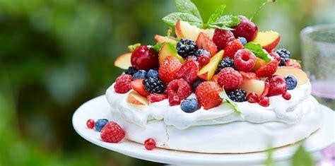 recettes cuisine actuelle pavlova aux fruits rouges facile et pas cher recette