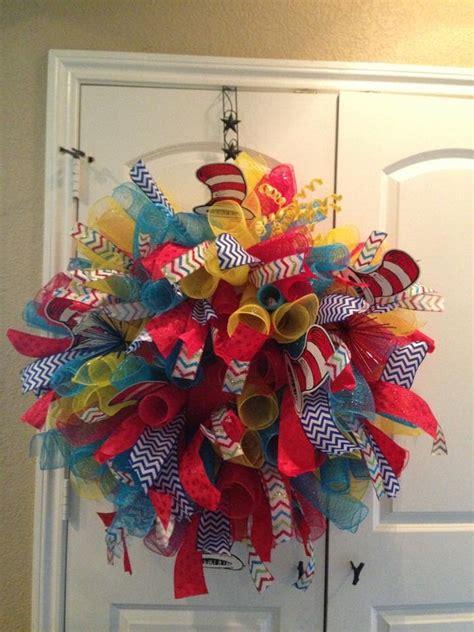 mesh wreath  diys  instructions