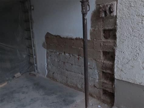 Feuchte Garagenwand  Garagenwand Feuchte Garage