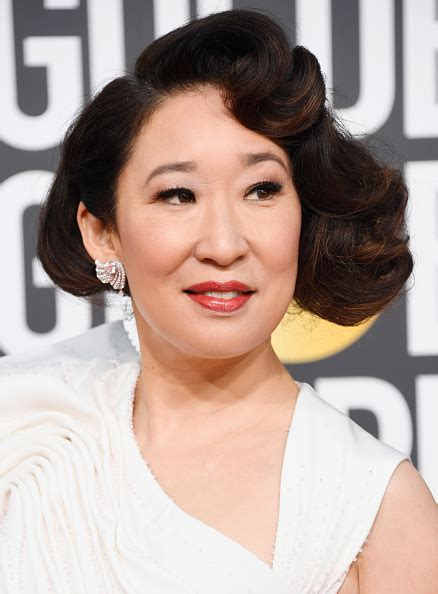 sandra oh monologue sandra oh s 2019 golden globes monologue will wreck you
