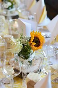 Tischdeko Für Hochzeit : diy blumen tischdeko f r hochzeit we love handmade ~ Eleganceandgraceweddings.com Haus und Dekorationen