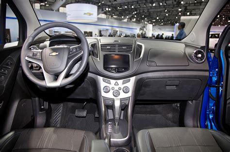 chevy trax interior 2015 chevrolet trax drive motor trend