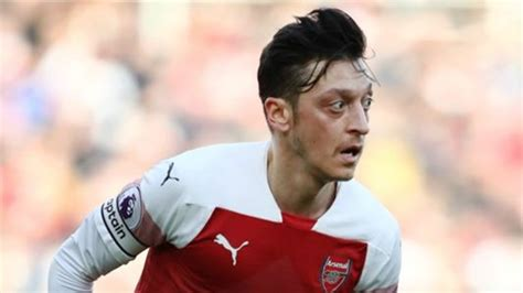 Ozil warned he doesn't fit in under Emery & 'the writing's ...