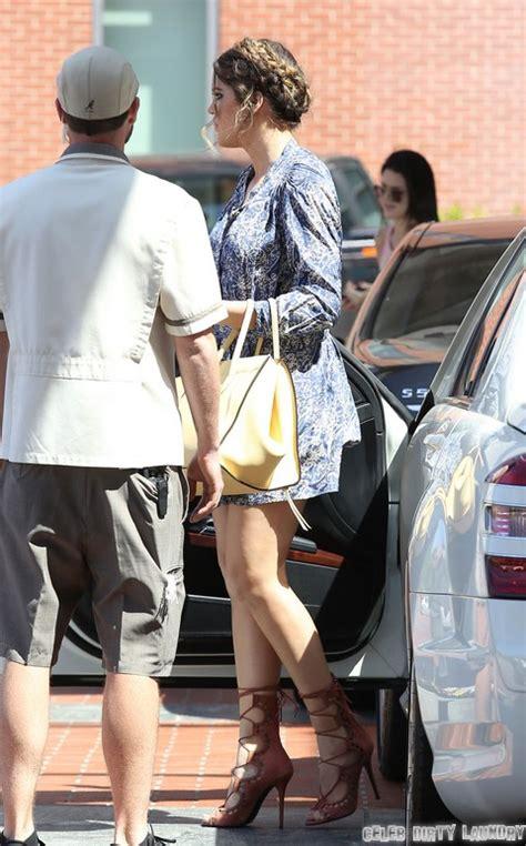 Semi-Exclusive... Khloe Kardashian Suffers Wardrobe ...