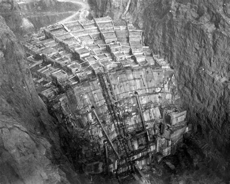 Hoover Dam Underconstruction Simotron